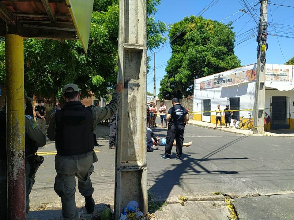 https://www.meionorte.com/policia/homem-e-executado-a-tiros-enquanto-jogava-baralho-na-zona-leste-de-teresina-423208